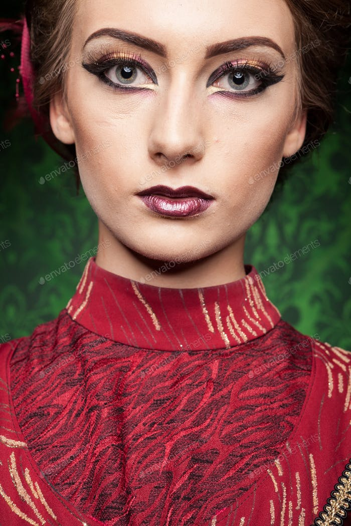 Portrait of gorgeous woman dressed vintage clothes in retro inte