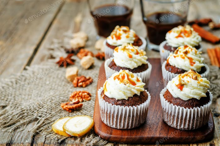 pumpkin pie spices walnuts banana cupcakes with salted caramel a