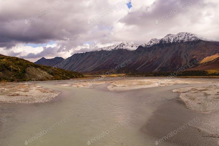 Gulkana River Alaska Range Südestern Region Schneebedeckte Berge