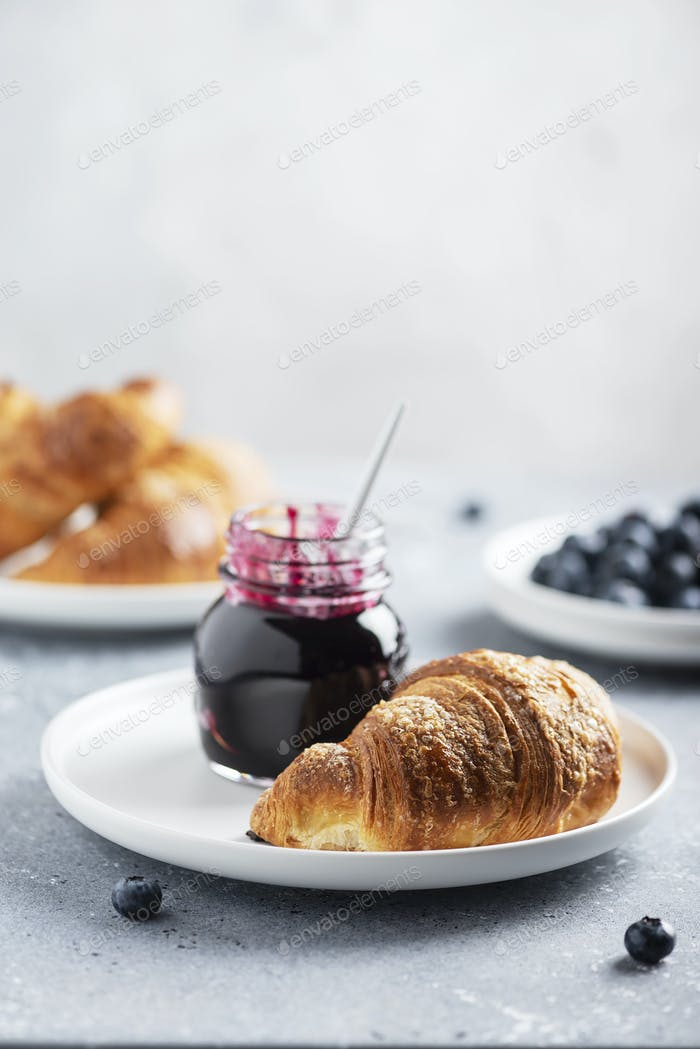 croissant and blueberry jam