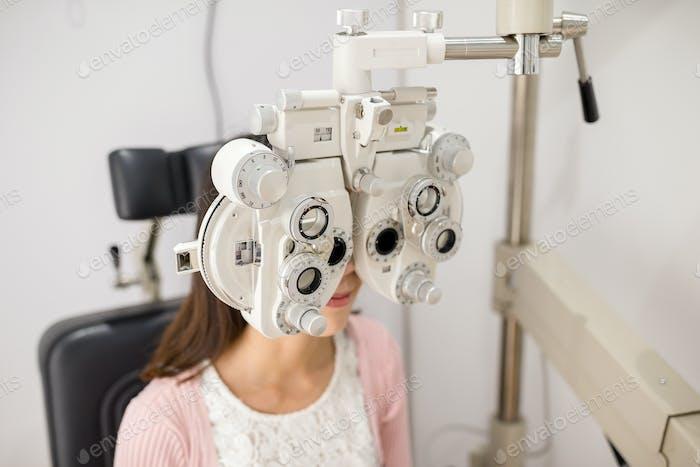 Ausrüstung für Augenprüfungen