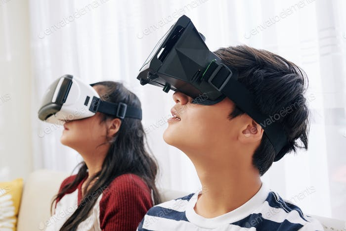 Children experiencing virtual reality