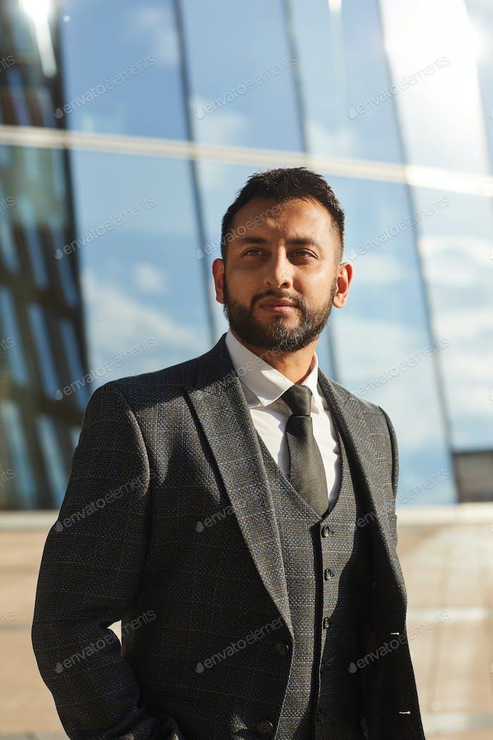 Elegante hombre de negocios en traje