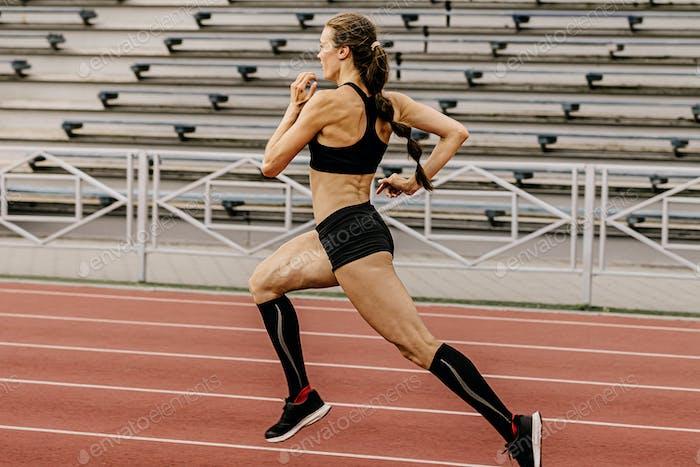 training athletics female athlete