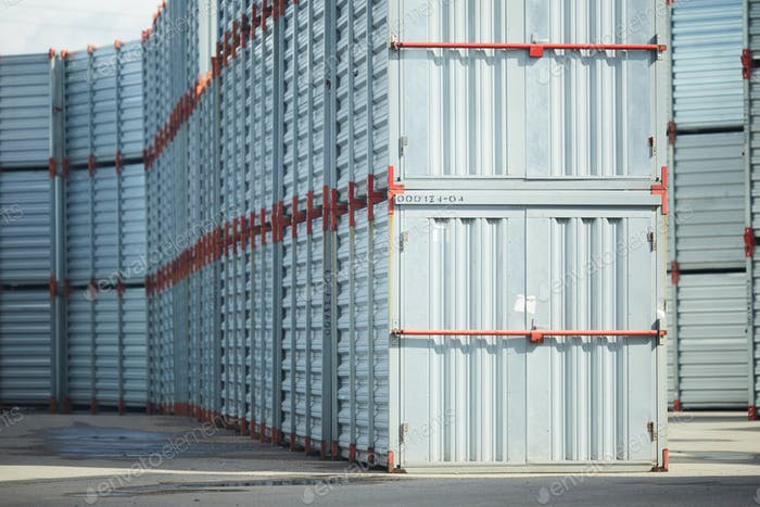 Storage of new containers