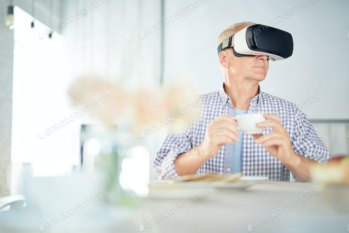 Virtueller Spaß beim Frühstück