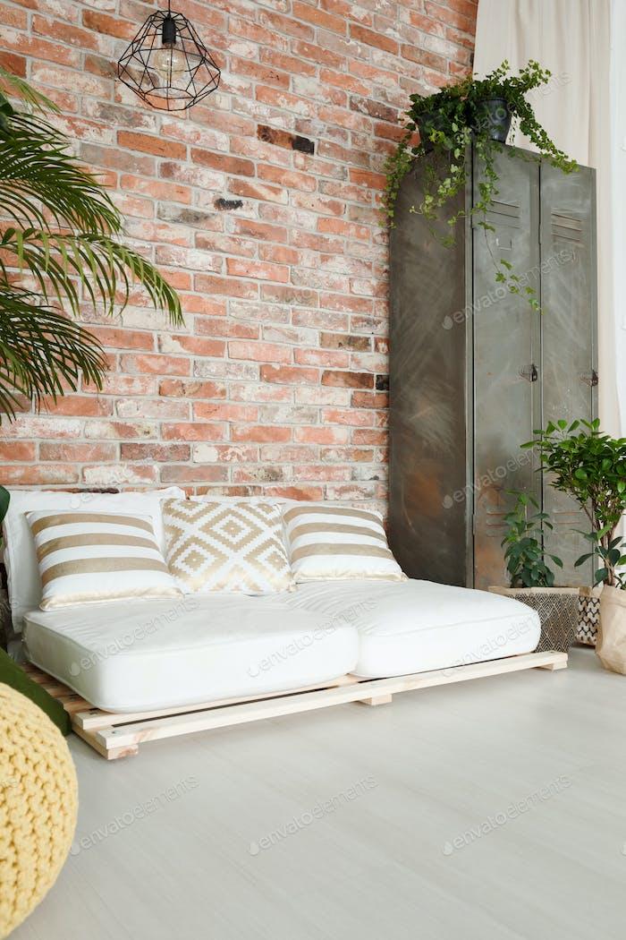 White sofa in room