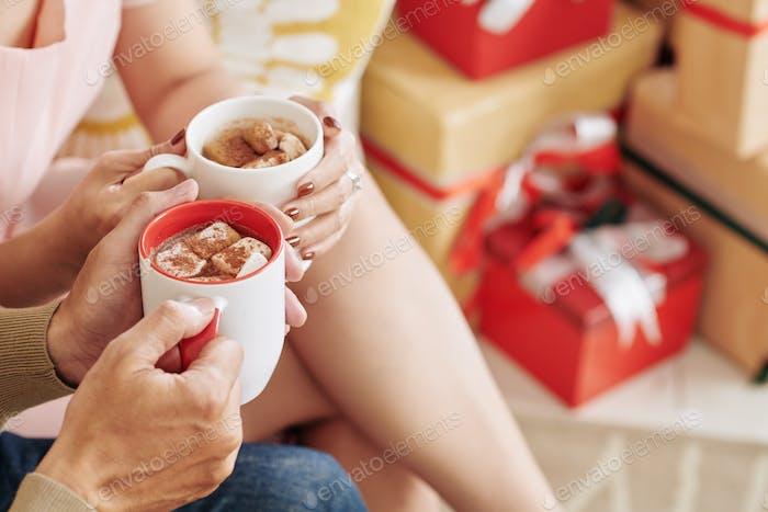 Couple drinking hot chololate