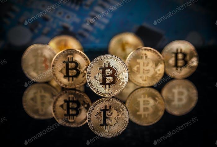 Many gold bitcoins