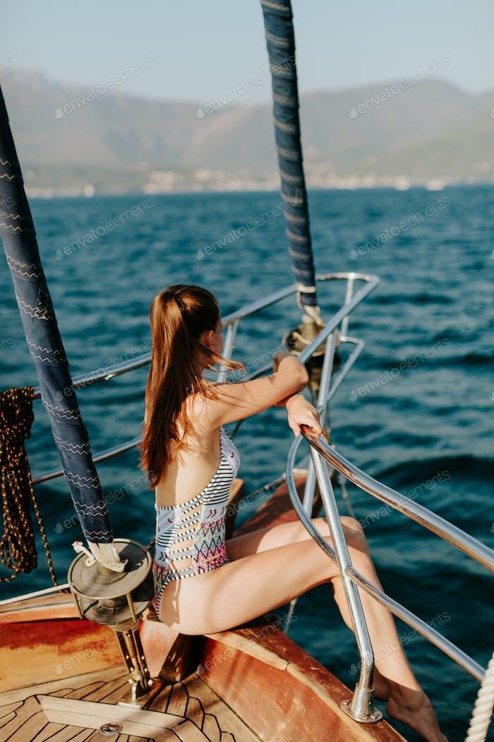 sexy Mädchen Reisen auf yacht