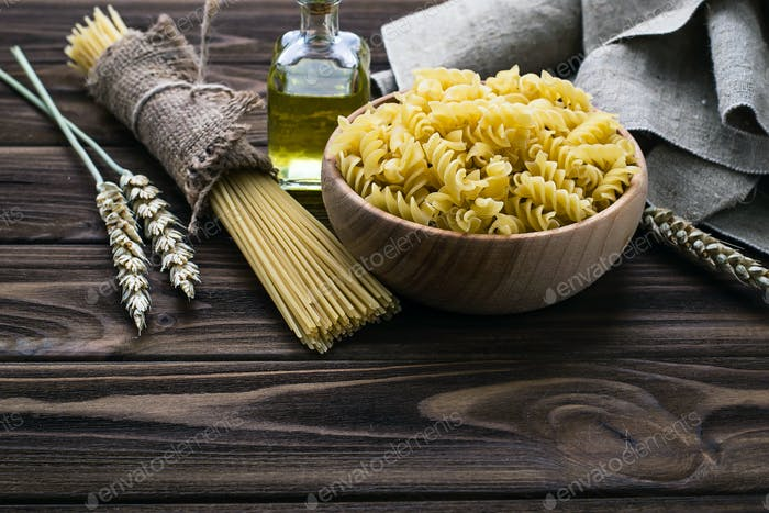 Various types of uncooked Italian pasta