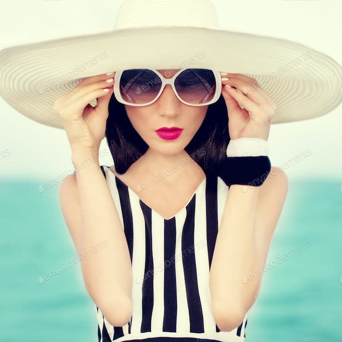 fashion girl on vacation