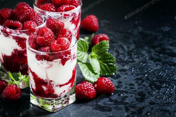 Vanilla ice cream with raspberries