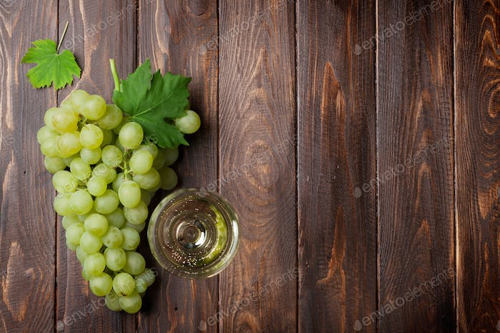 Wine glass and grapes