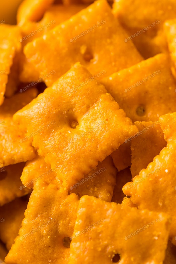 Salty Yummy Cheddar Cheese Crackers