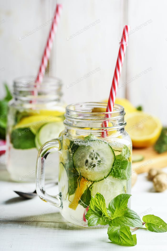 Lemon and cucumber drink