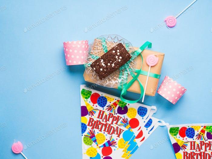 Happy Birthday Party Artikel flach lag