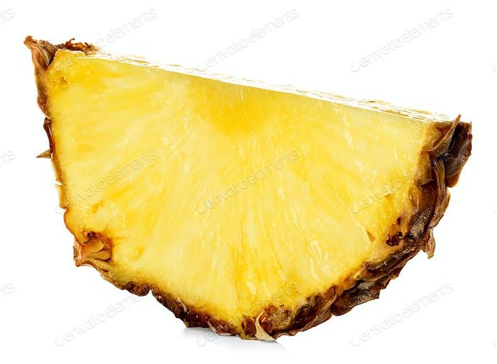 Ananasscheibe isoliert auf weißem Hintergrund