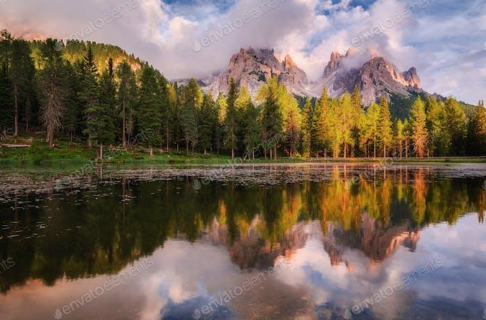 Berglandschaft der Dolomiten