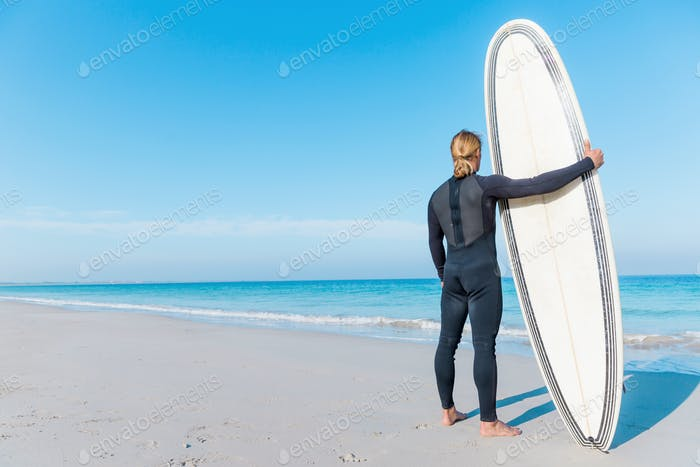 Waitming for a perfect wave