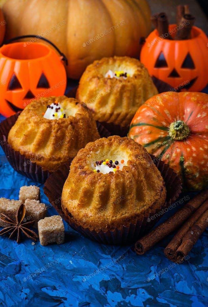 Homemade pumpkin spice cupcakes