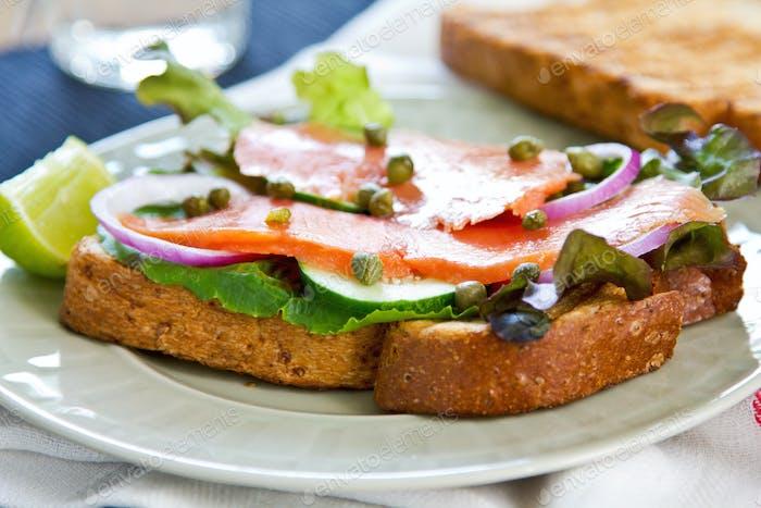 Räucherlachs-Sandwich