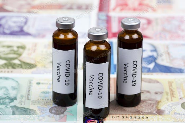 Vacuna contra Covid-19 en el fondo del dinero búlgaro