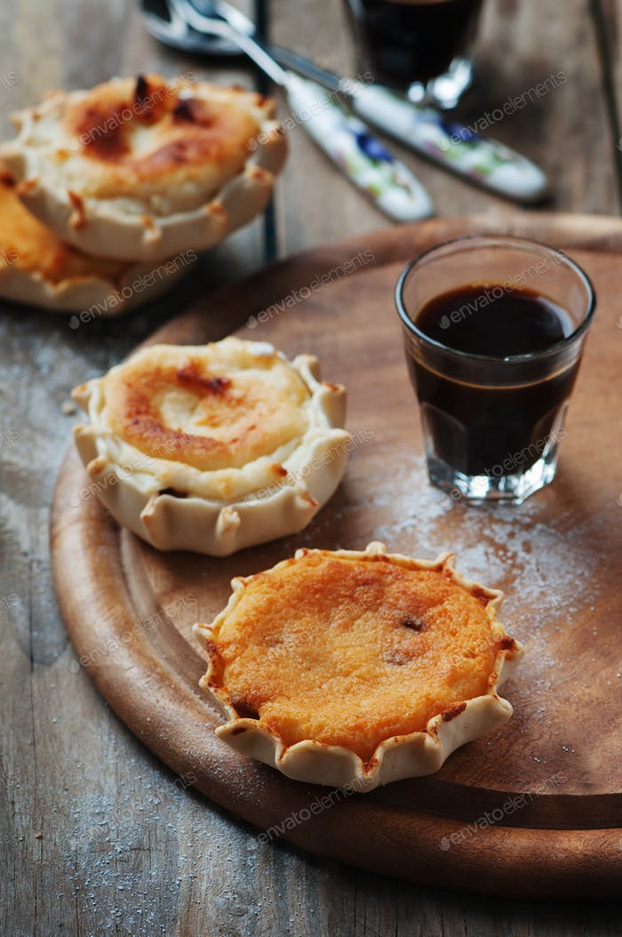 Traditional sardinian dessert formaggella