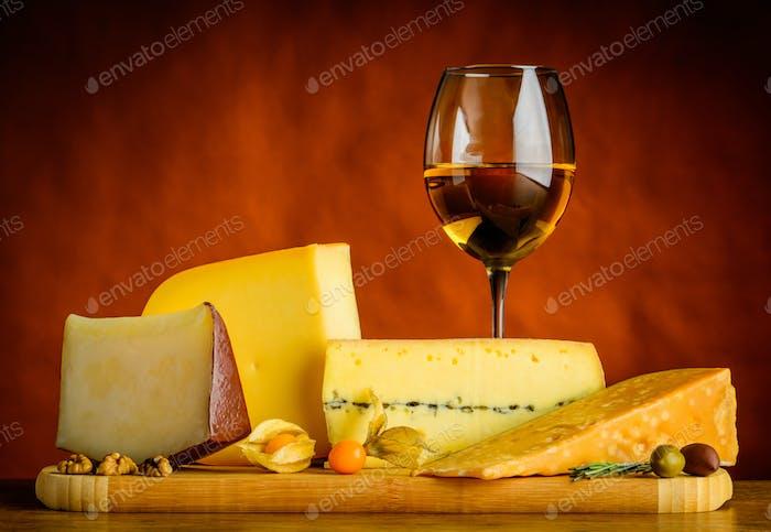 Gouda Cheese and White Wine