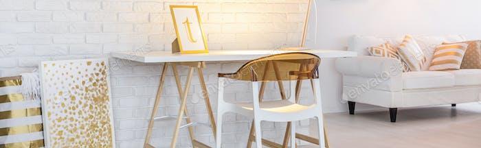 Wohnung im Boho Stil mit Schreibtisch