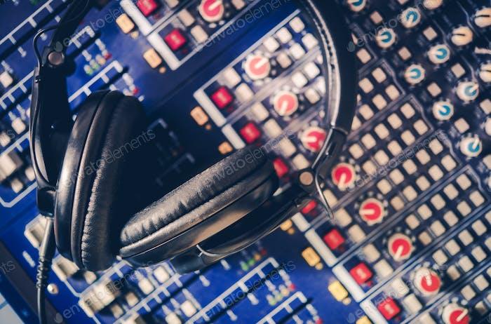 Pro Kopfhörer und Mixer