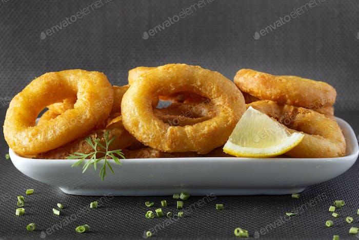 Gebratene Calamari Ringe