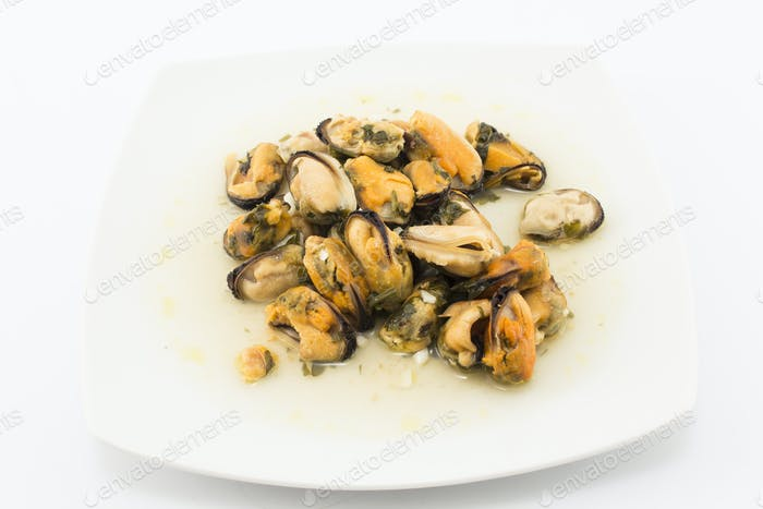 Mussels Cooked in White Wine with Parsley and Garlic