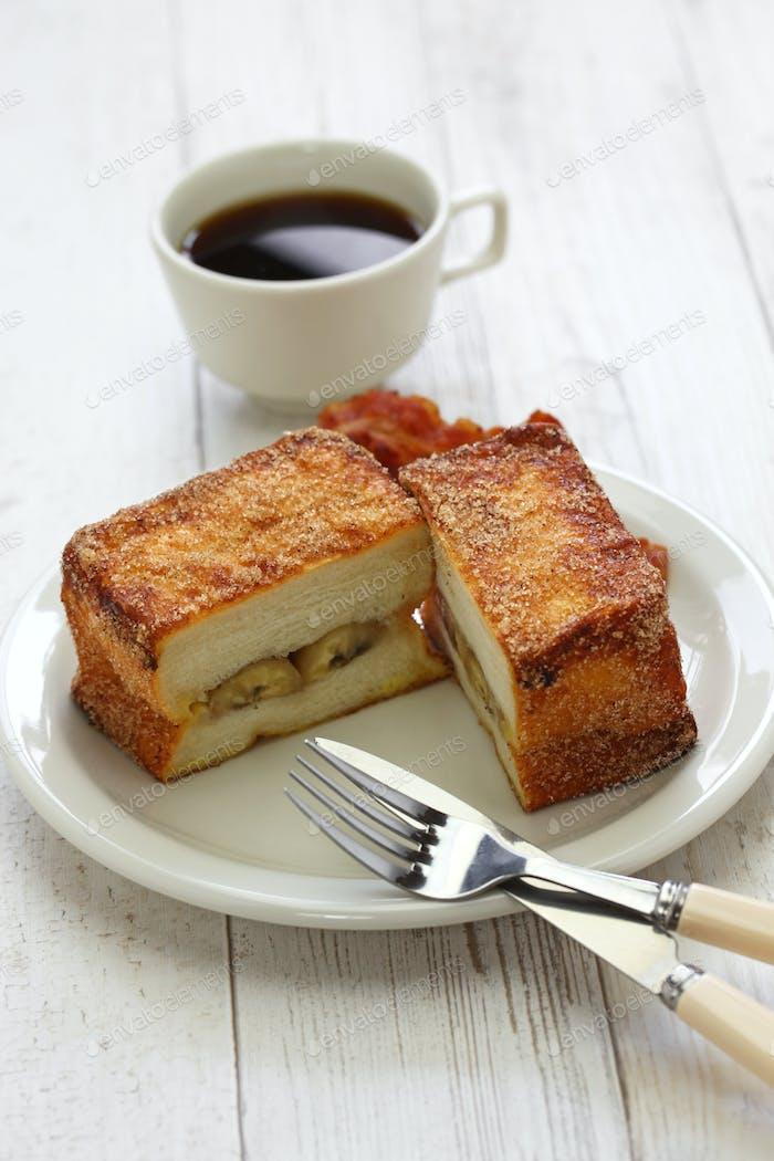 Banane Zimt französischer Toast mit Speck