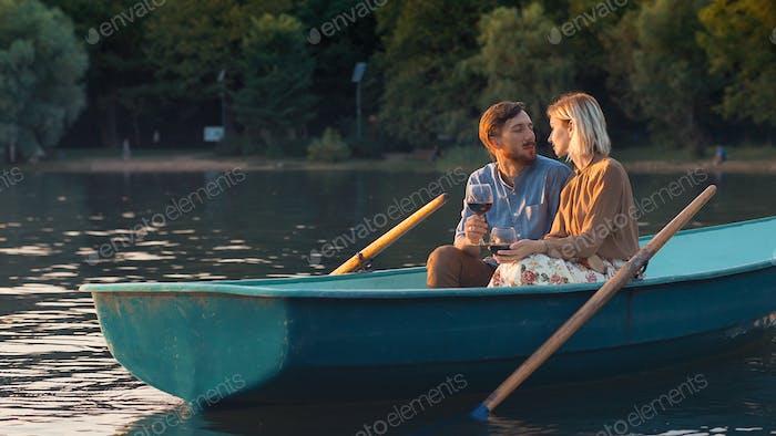 Junges Paar auf einem Date