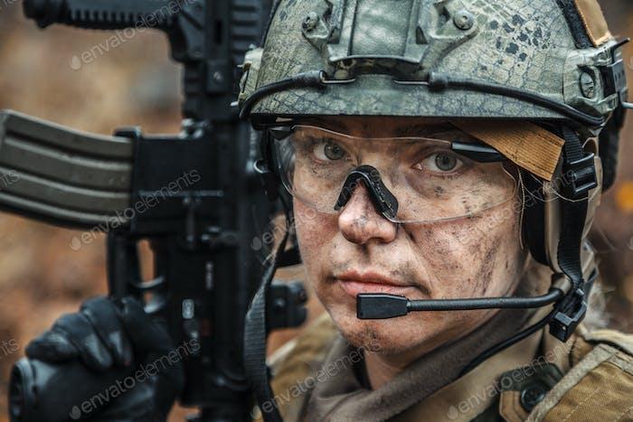 Norwegische Streitkräfte Soldatin