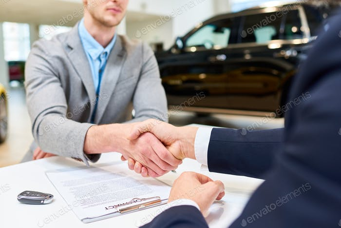 Business Deal in Autovermietung