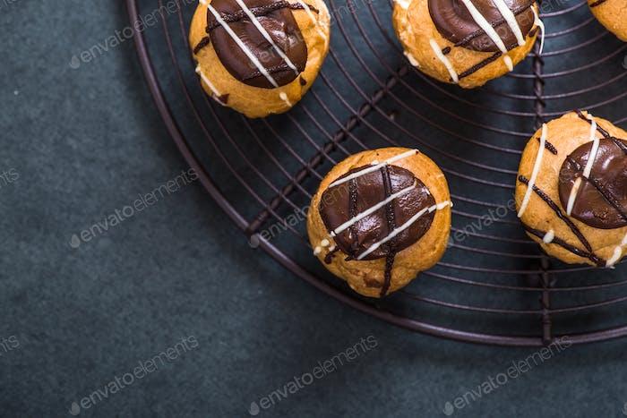 profiterole mini eclair sweet food