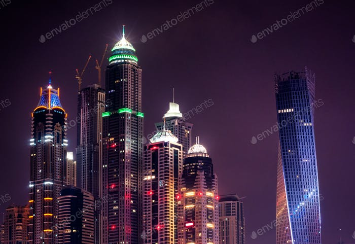 Nacht Dubai Marina Skyline. Dubai, Vereinigte Arabische Emirate