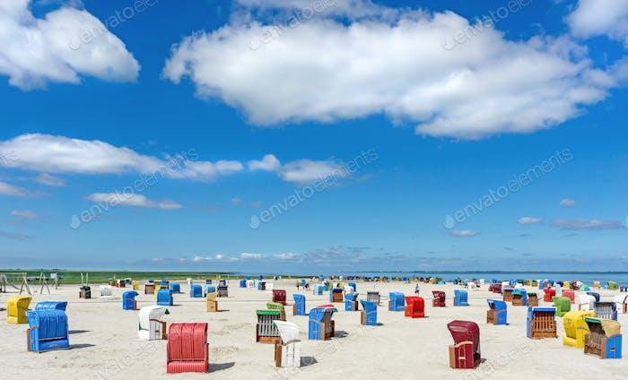 Strandszene im Ostfriesland Norddeutschland
