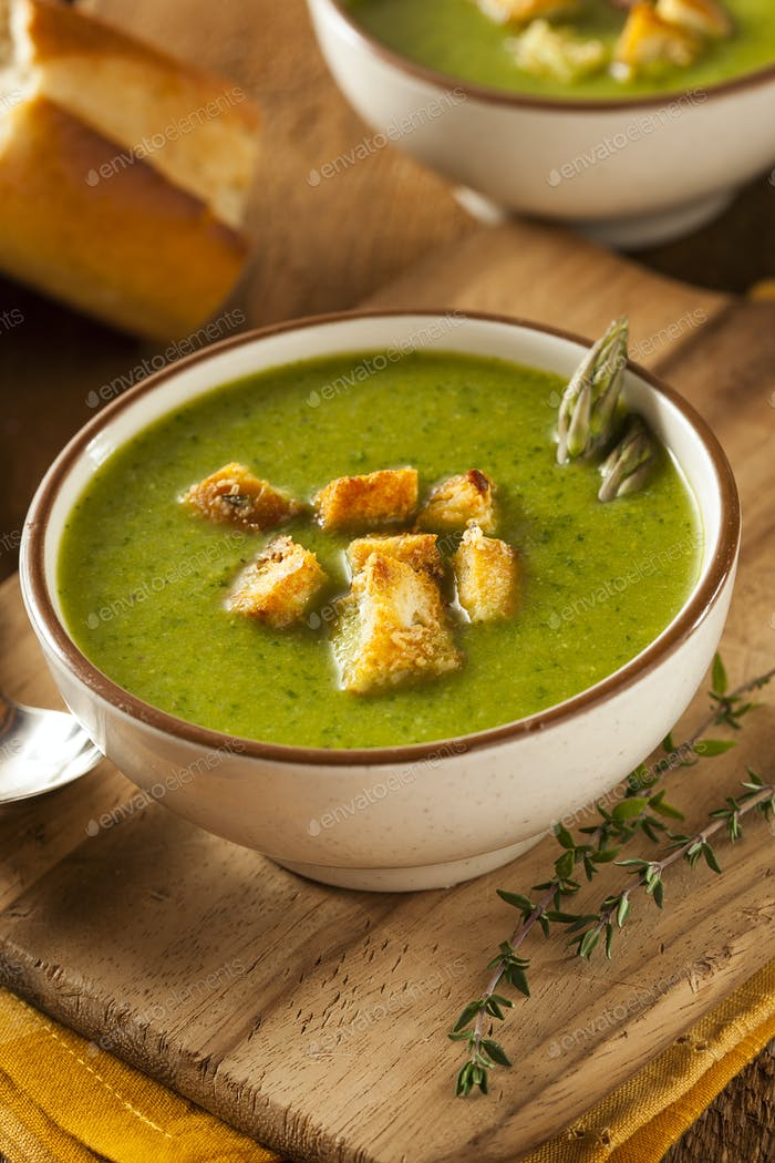 Homemade Green Asparagus Soup