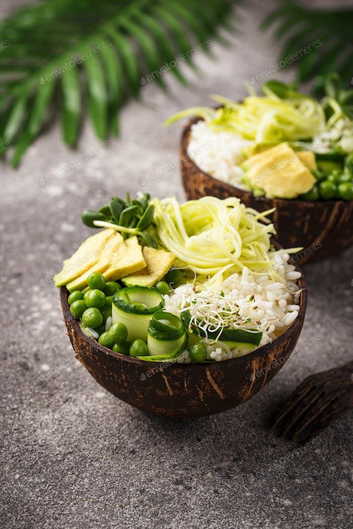 Vegane Buddha-Schale mit Gemüse