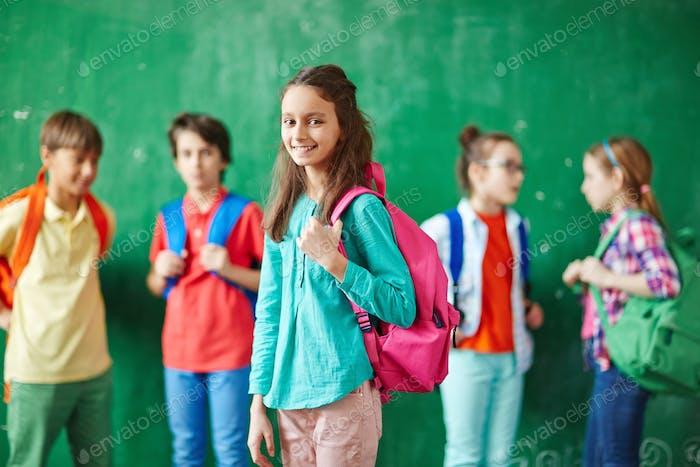 Schüler mit Rucksack