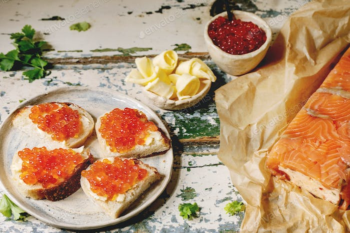 Red caviar with bread and butter