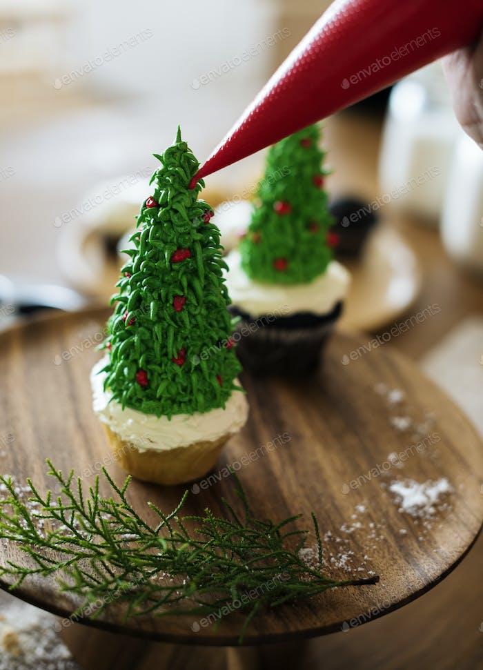 Christmas tree shaped cupcakes