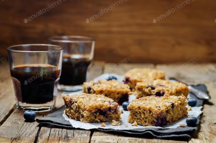 Blueberry Quinoa Oats Breakfast Bars