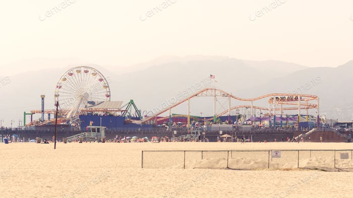 Attractions Park in Santa Monica Beach