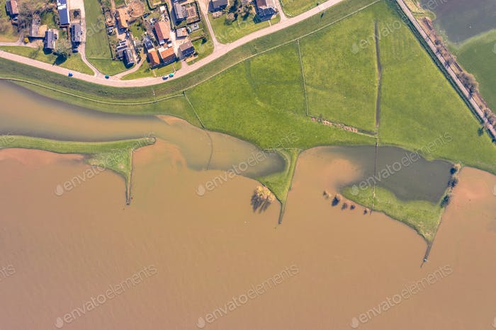 Überflutete Flusslandschaft