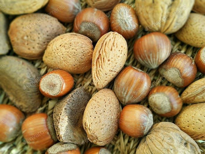 Mischung aus verschiedenen Arten Nüssen