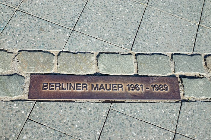 Memorial tablet for the Berlin Wall